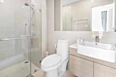 Jaka kabina prysznicowa zmieści się w małej łazience?